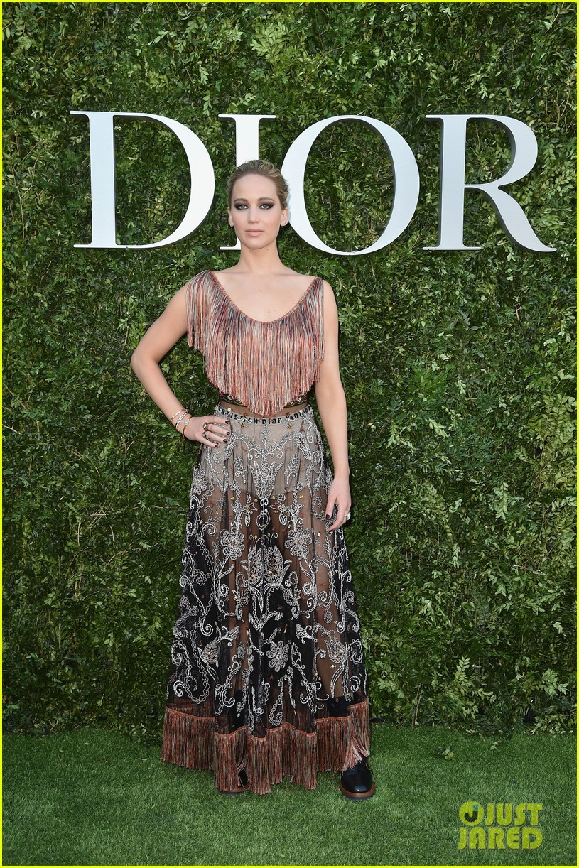 jennifer lawrence robert pattinson natalie portman dior event 013923360