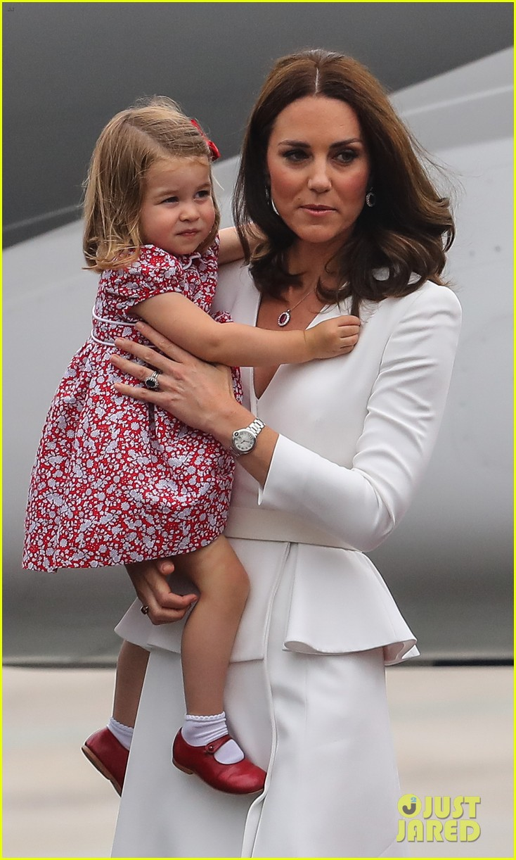 kate middleton prince william arrive in poland with george charlotte 383929277