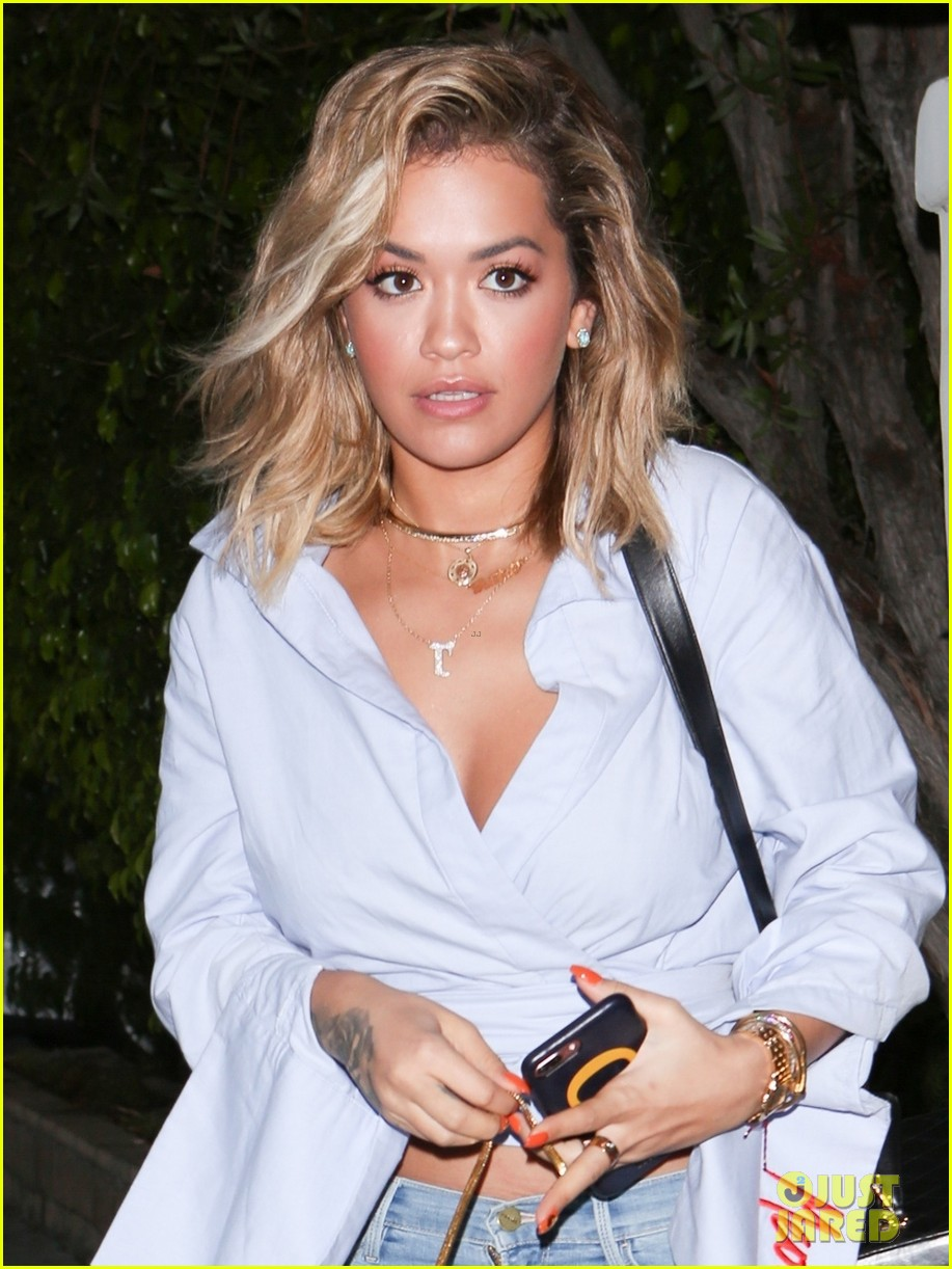 rita ora shows off her hot bikini bod on vacation 023935524
