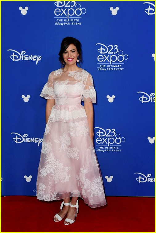 10 of disneys princess actresses met up for epic d23 photo 103928305