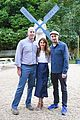 keri russell dines with darren aronofsky in the hamptons 05