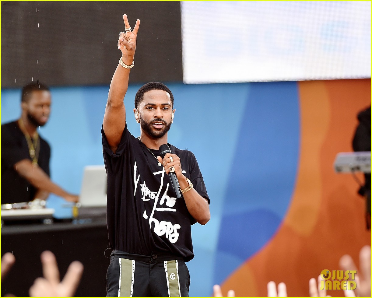 big sean spreads positive message at gma concert 033924856