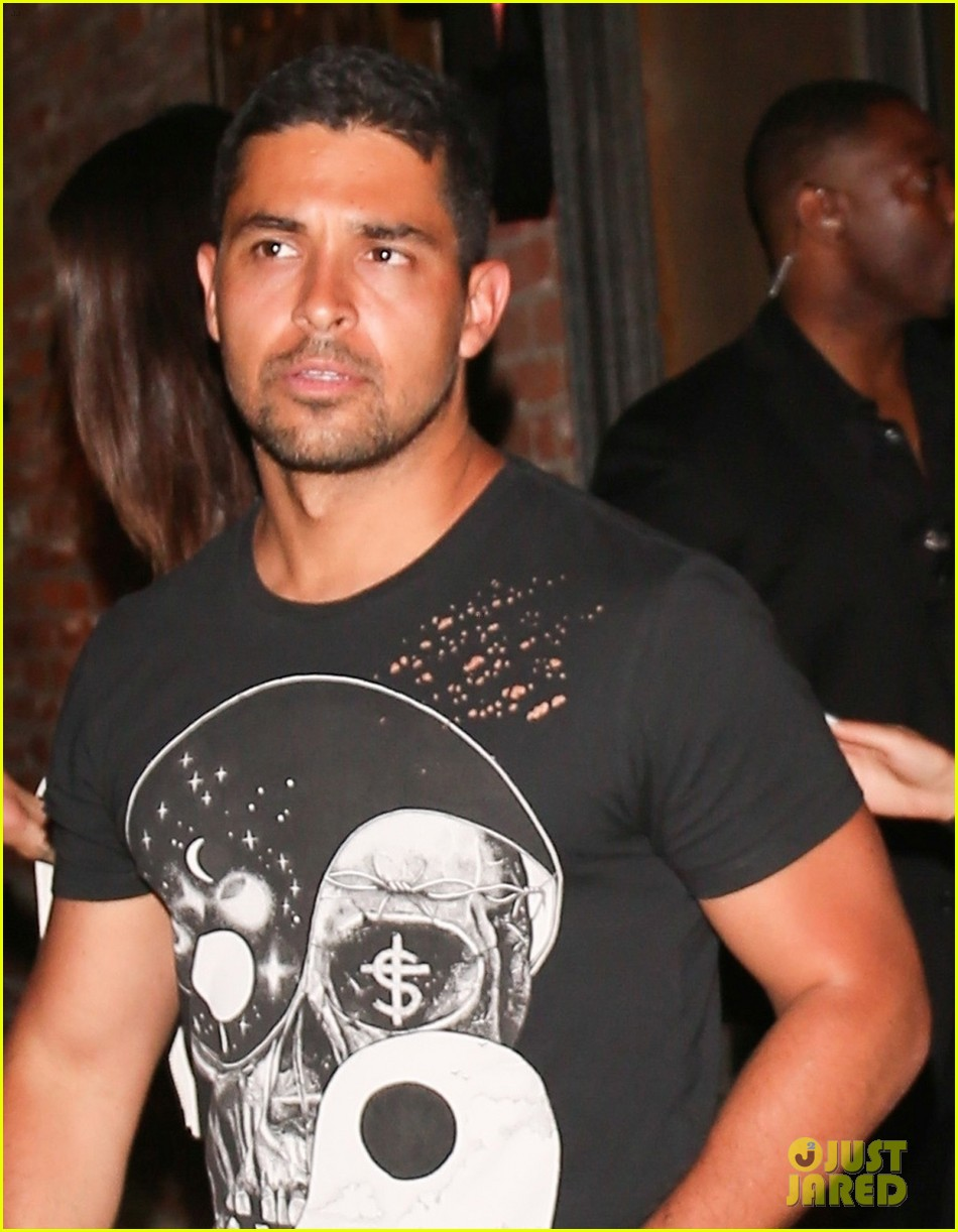 wilmer valderrama and chantel jeffries have night out at tao 023929682