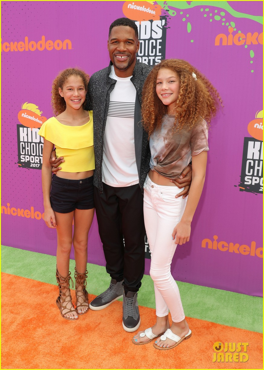 russell wilson takes step son future jr to nickelodeon awards 053927651