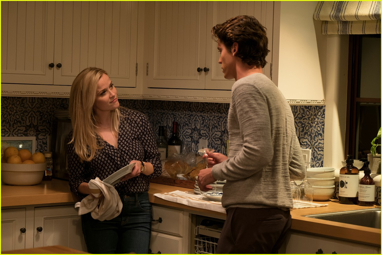 reese witherspoon home again poster 013928132