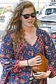 amy adams looks stunning while going makeup free in la 06