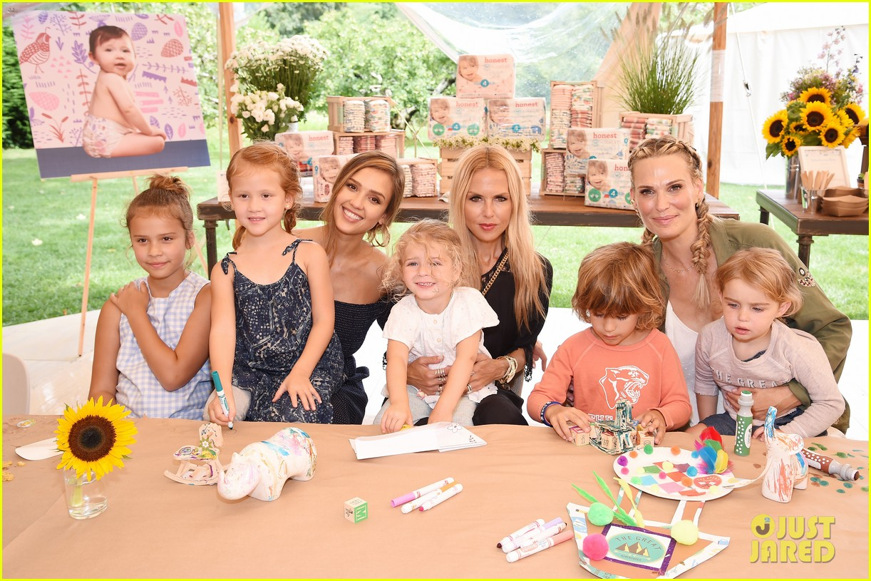 jessica alba honest company event with kids 013938222