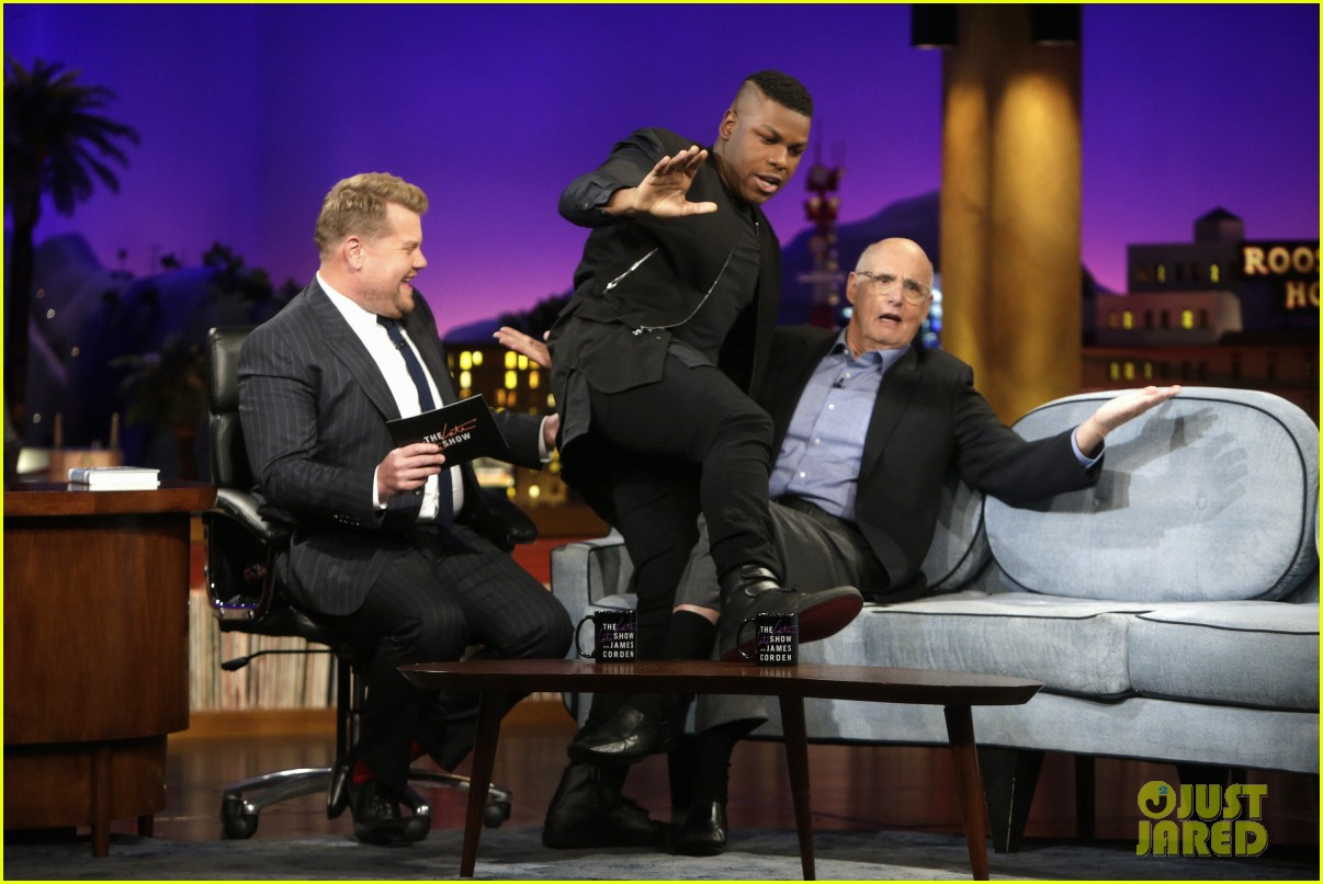 john boyega jeffrey tambor share their most embarrassing work on late late show 013940249