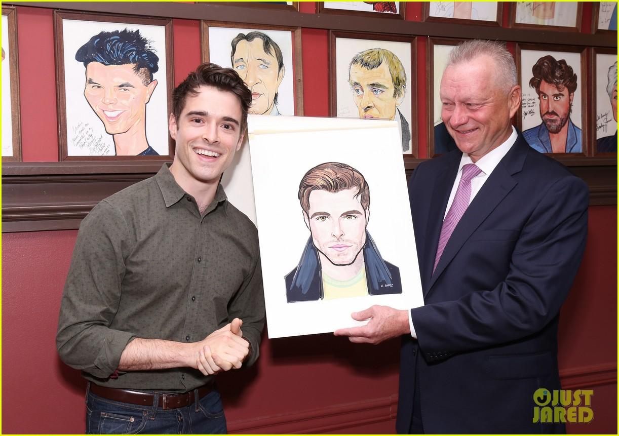 corey cott unveils his portrait at ny sardis 113941122