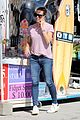 jennifer garner takes in the venice beach vibe with her family 01