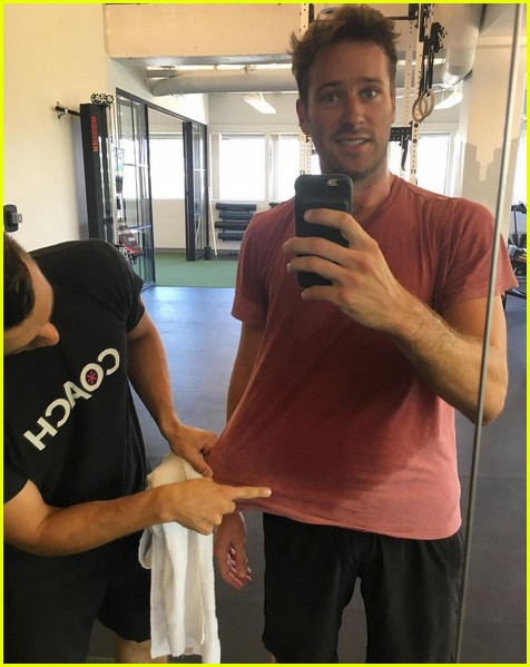 armie hammer posts video from his shirtless outdoor workout 033944560