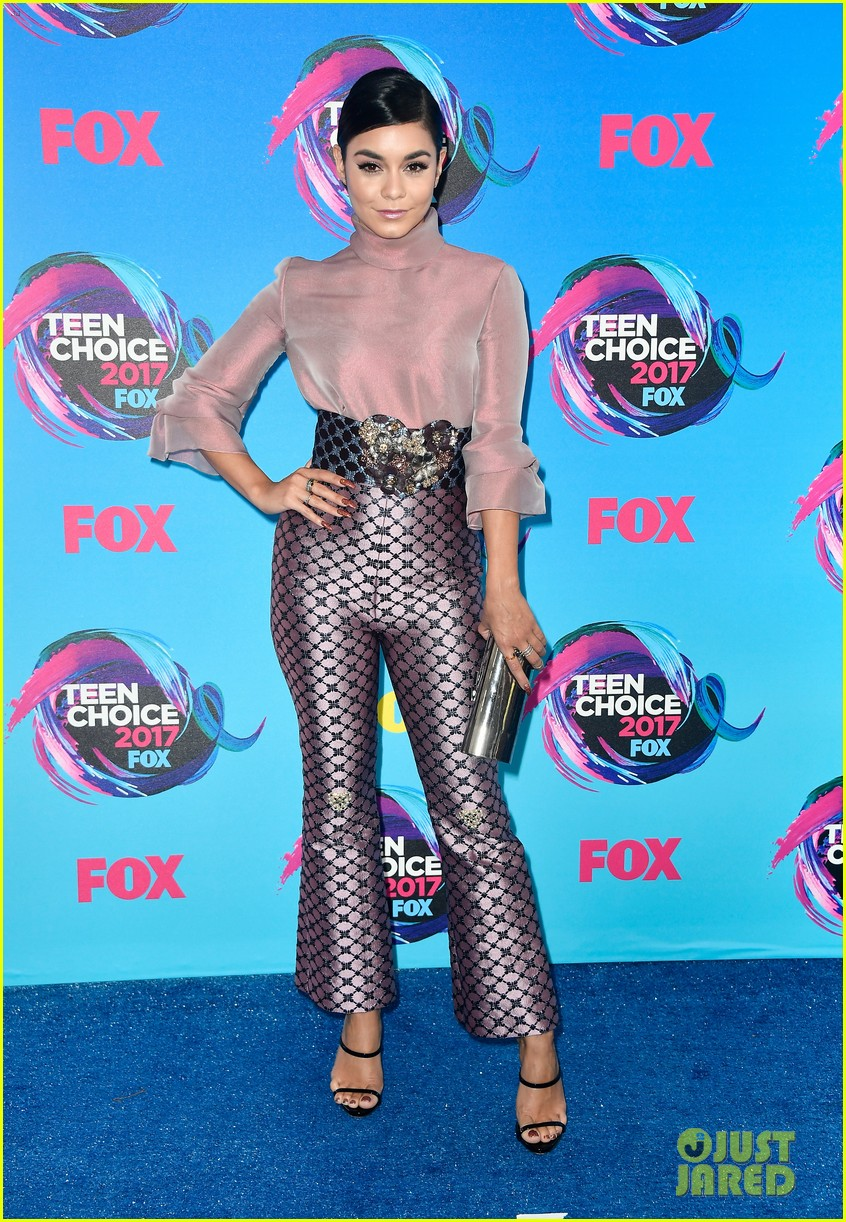 Vanessa Hudgens Wears the Pants at Teen Choice Awards 2017 ...
