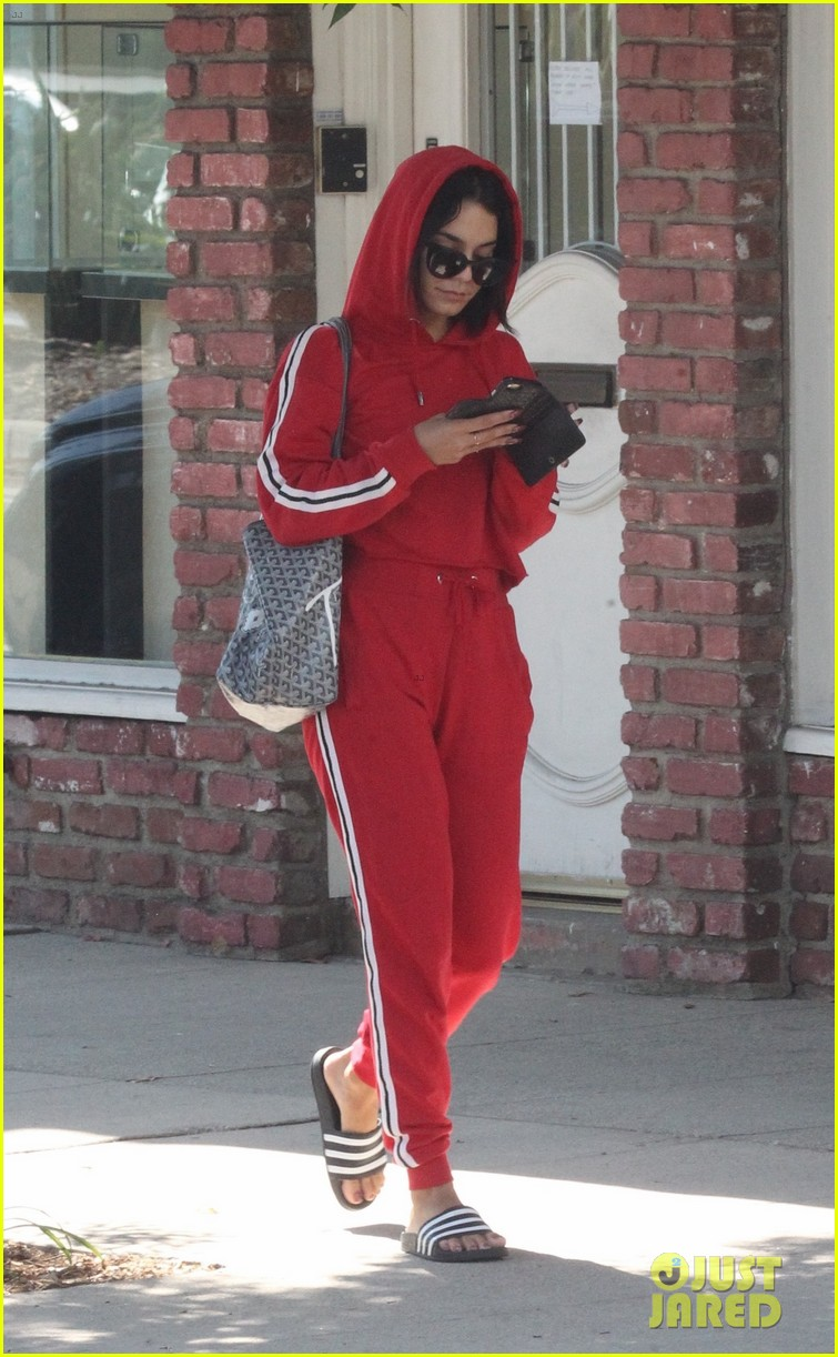 vanessa hugens hits the gym in track suit 013939043