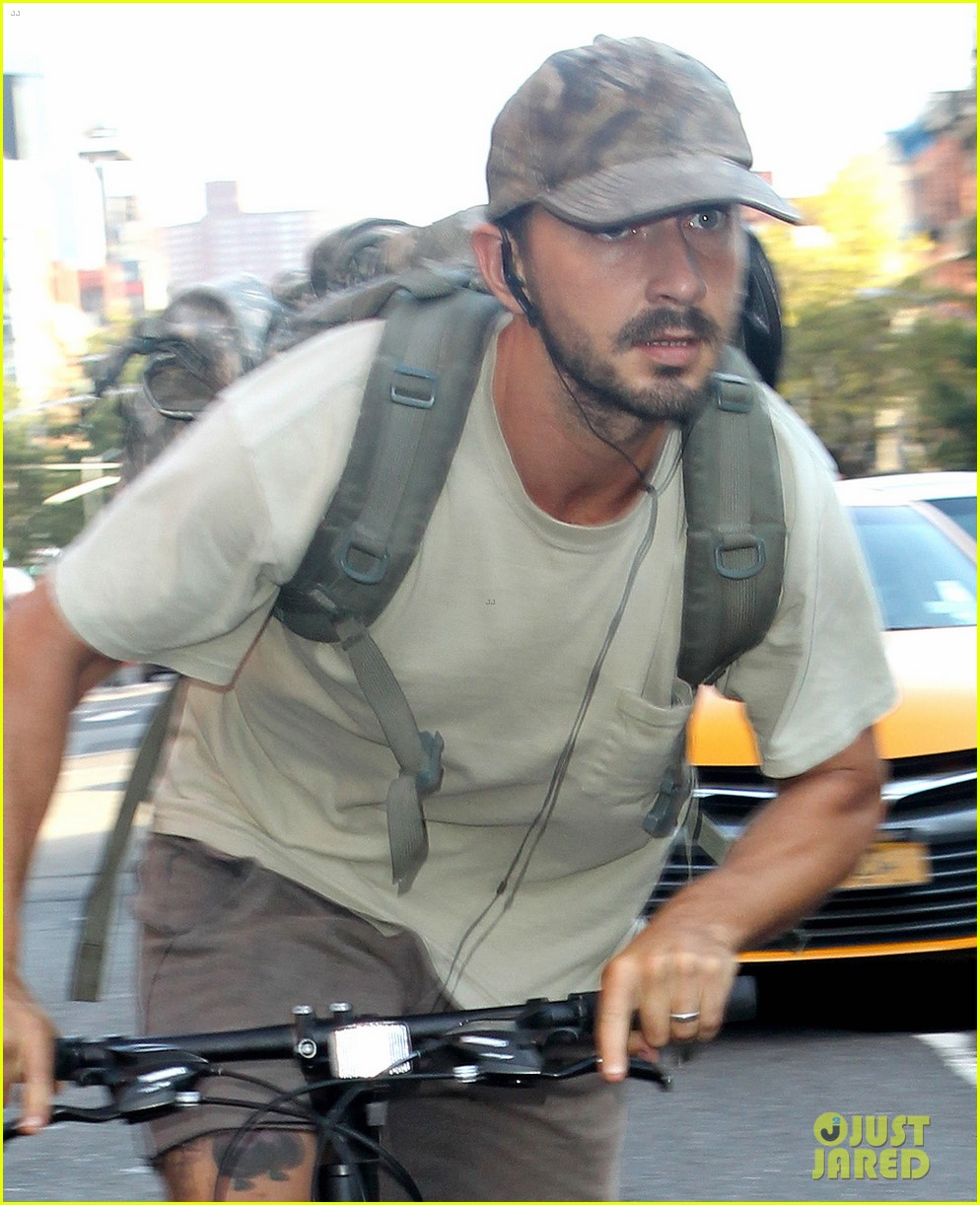 shia labeouf rides his bike around the big apple 023939951