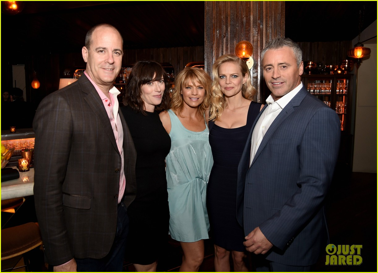 matt leblanc joins episodes cast at final season party 163942507