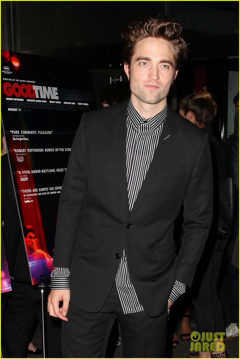 robert pattinson suits up for good time nyc premiere 123939785