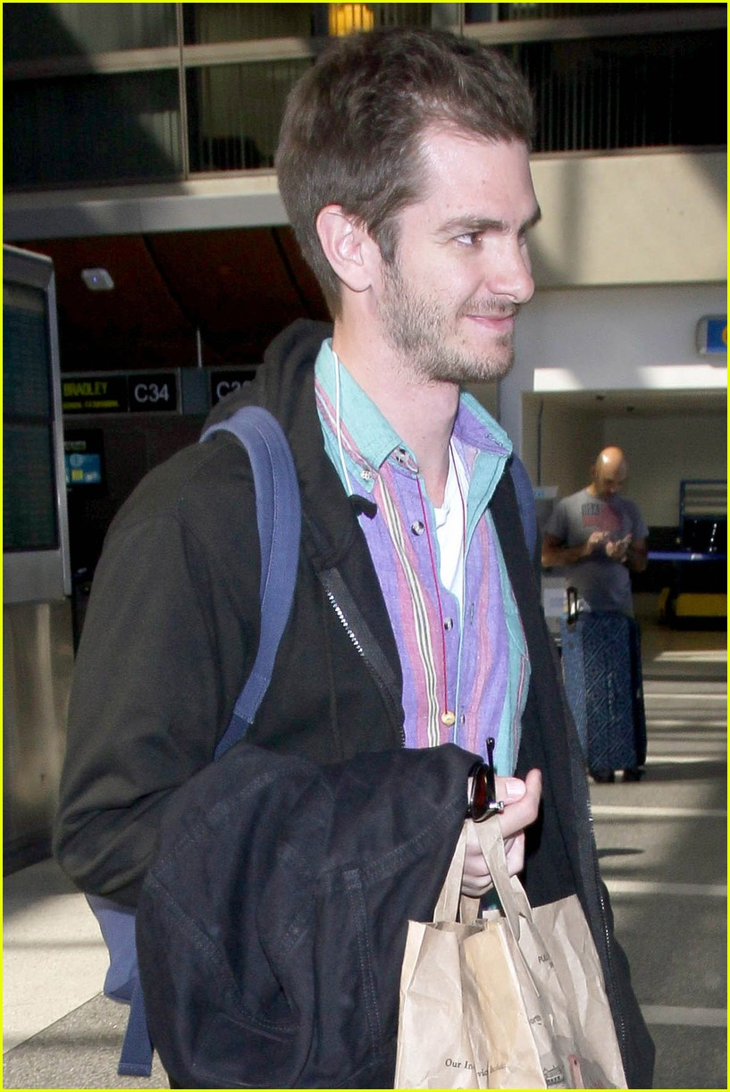 andrew garfield colorful at lax 023960624