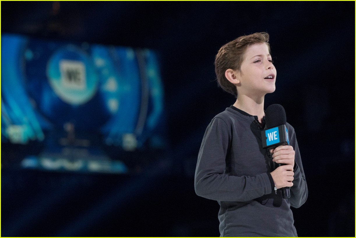 kelly clarkson and vanessa hudgens inspire youth at we day 143966157
