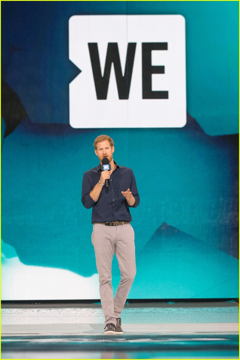 kelly clarkson and vanessa hudgens inspire youth at we day 173966160
