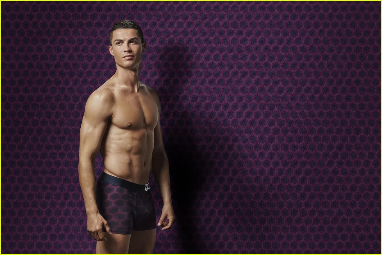 cristiano ronaldo models underwear 03