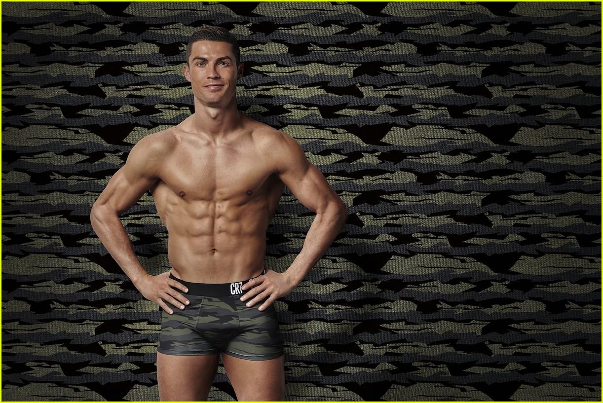 cristiano ronaldo models underwear 04
