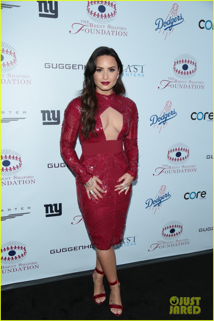 demi lovato spirit of sobriety 013954233