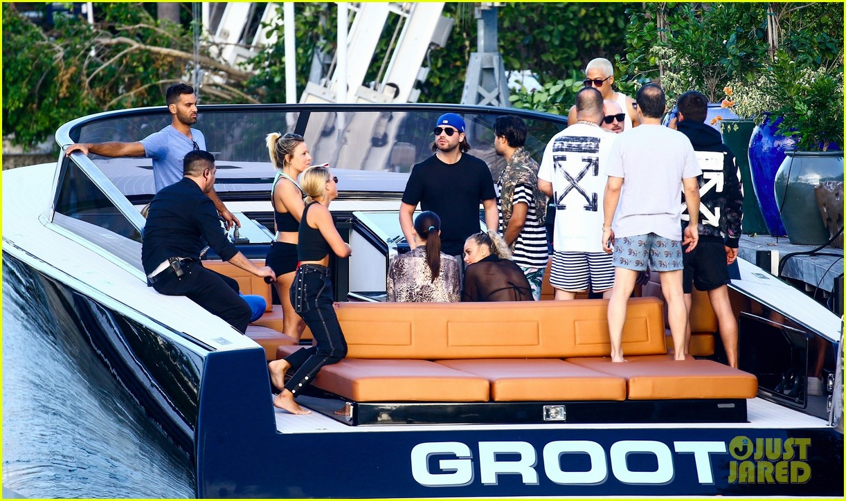 scott disick and sofia richie flaunt pda on a boat with friends2 113963289