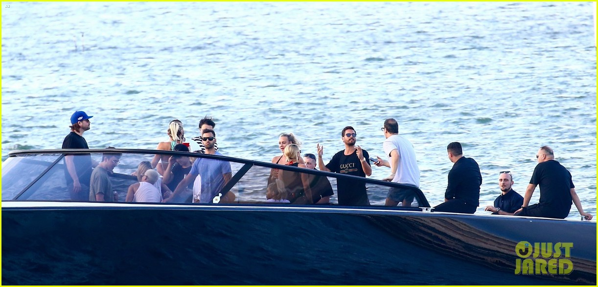 scott disick and sofia richie flaunt pda on a boat with friends2 333963013