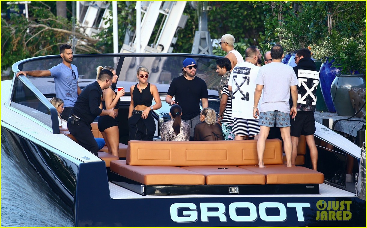 scott disick and sofia richie flaunt pda on a boat with friends2 583963038