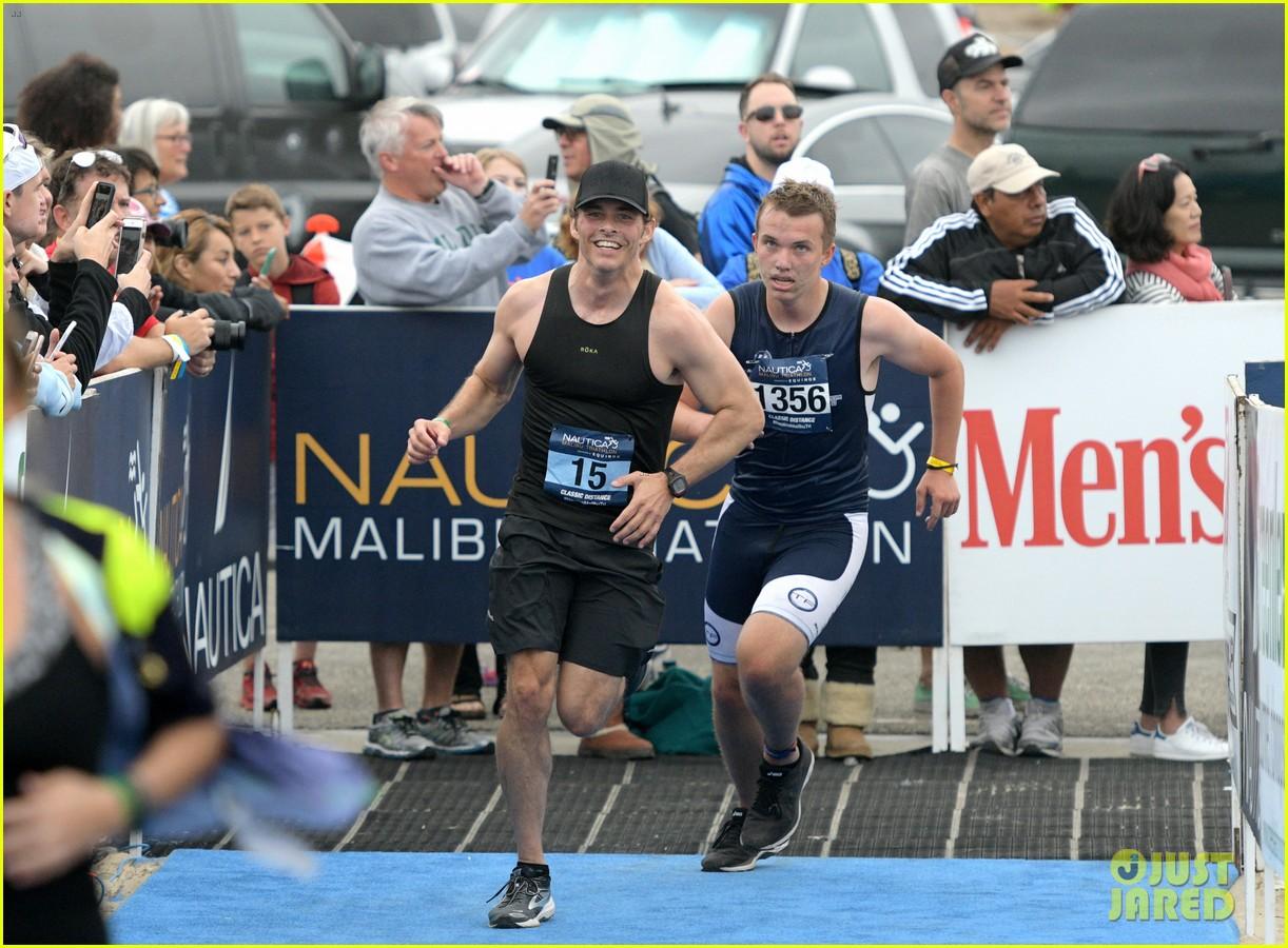 zac efron races his heart out in malibu triathlon for childrens hospital la2 113958926