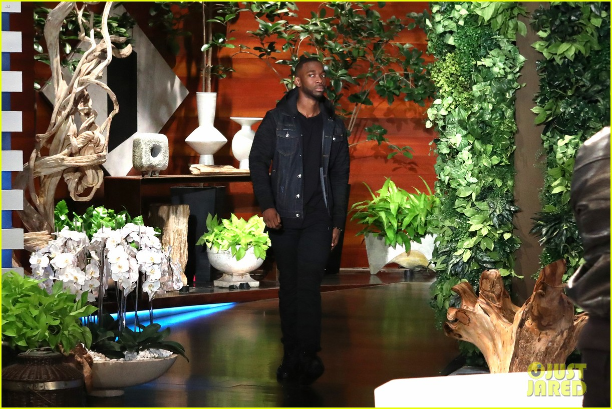 jamie foxx jay pharoah play the impressions game on ellen 043965711