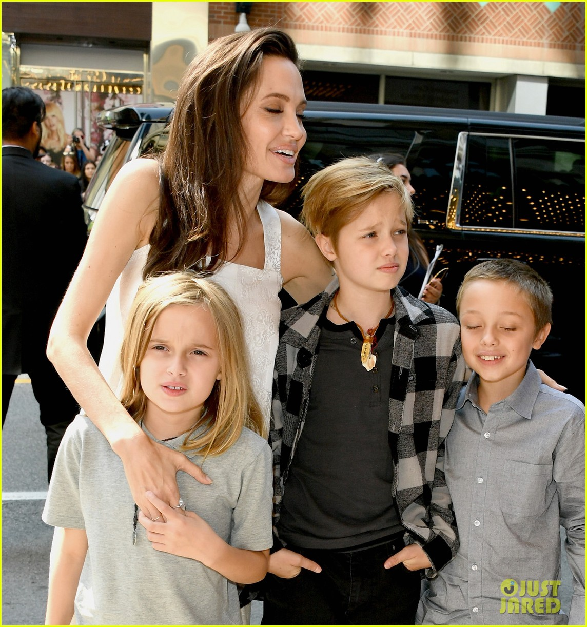 angelina jolie brings kids red carpet tiff 133954337