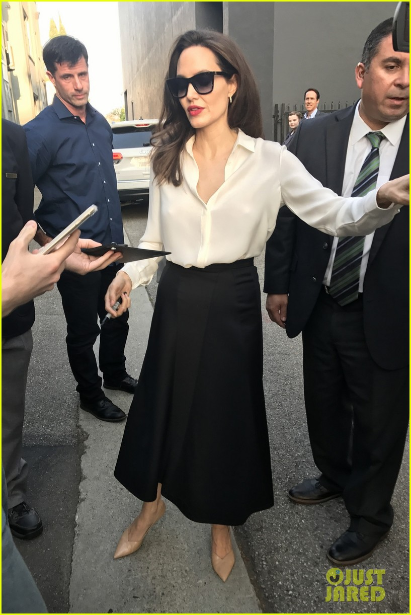 angelina jolie signs autographs 203959964