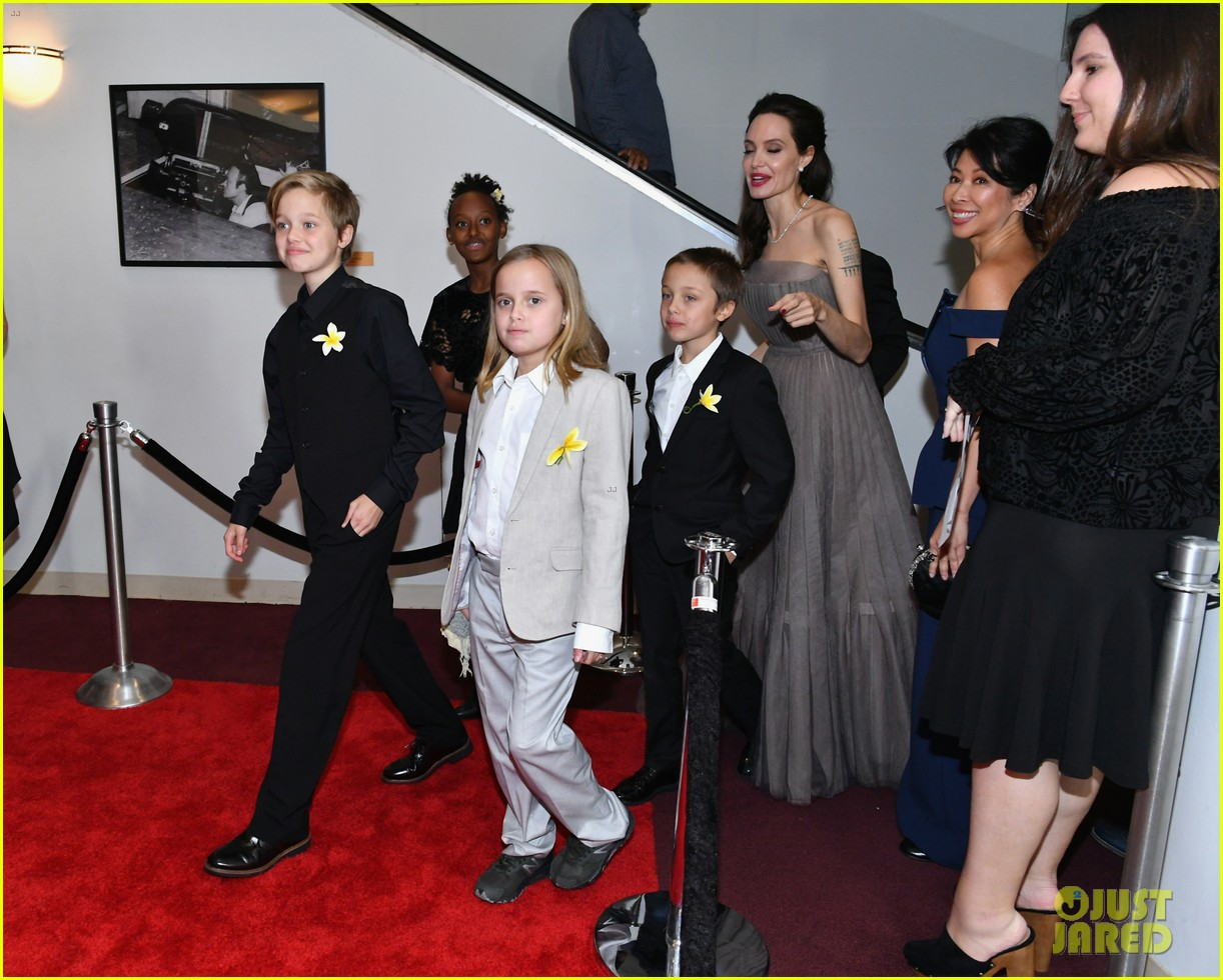 angelina jolies six kids wear yellow flowers to nyc premiere 093957202