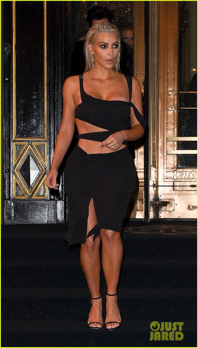 kim kardashian wears sexy cut out dress for nyfw party 013952656