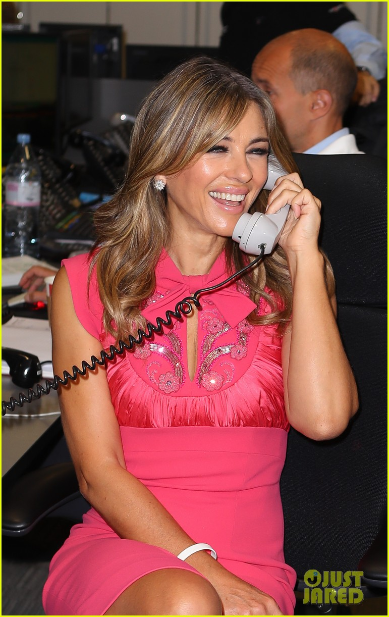 keira knightley ellie foulding answer phones at 911 charity event 133954804