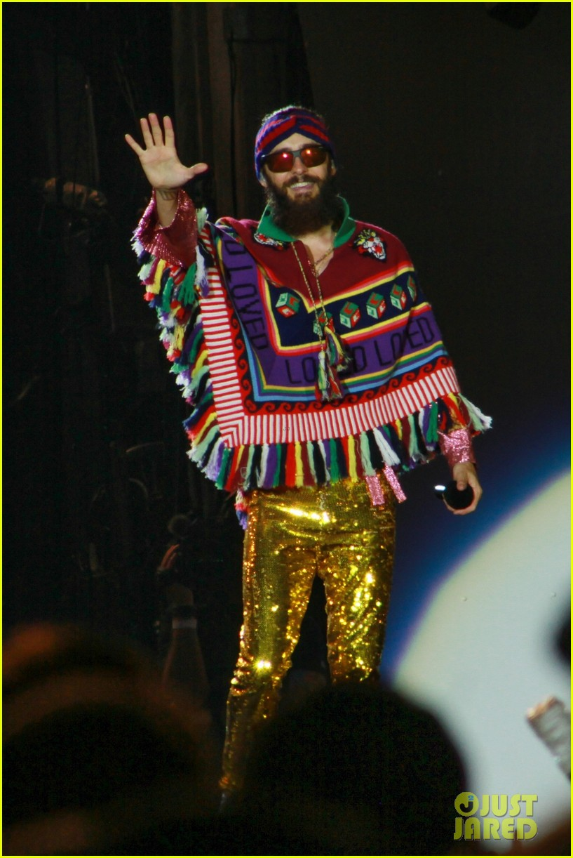 jared leto sparkles on stage at rock in rio music festival 2017 023963959