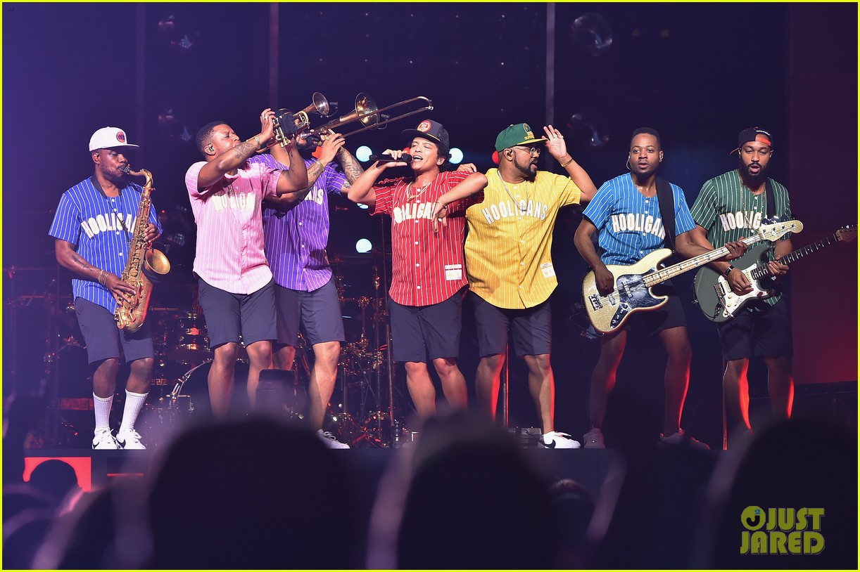 Bruno Mars Plays Two Sold Out Shows At Madison Square Garden Photo 3963400 Bruno Mars