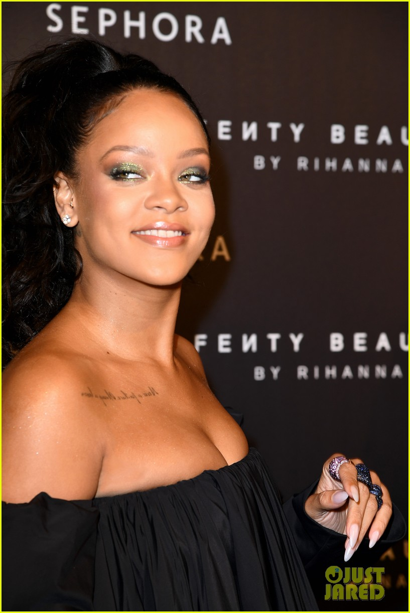 rihanna fenty beauty launch paris 01