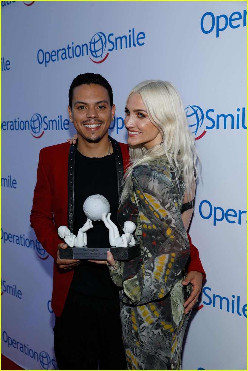 ashlee simpson and evan ross couple up for nyfw zadig voltaire nyfw show 223955542
