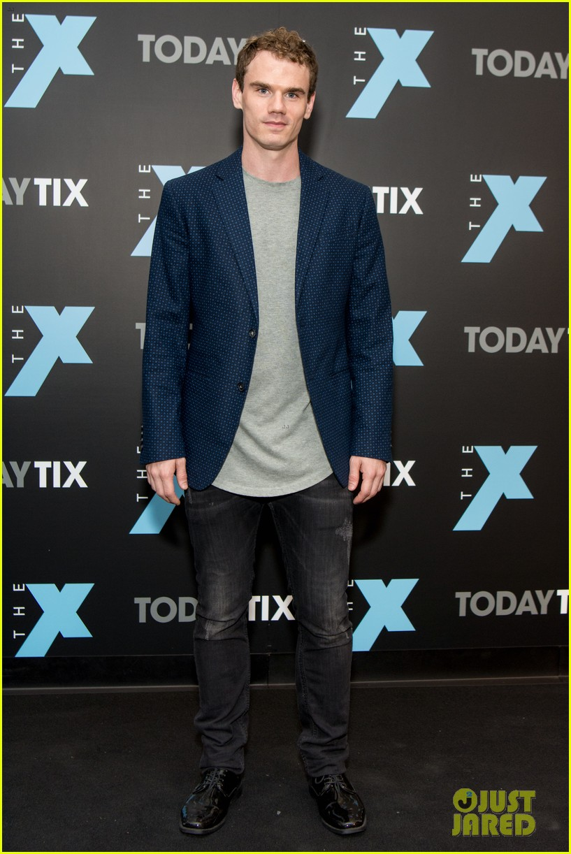 aaron tveit helps launch the x magazine with laura osnes 073965157