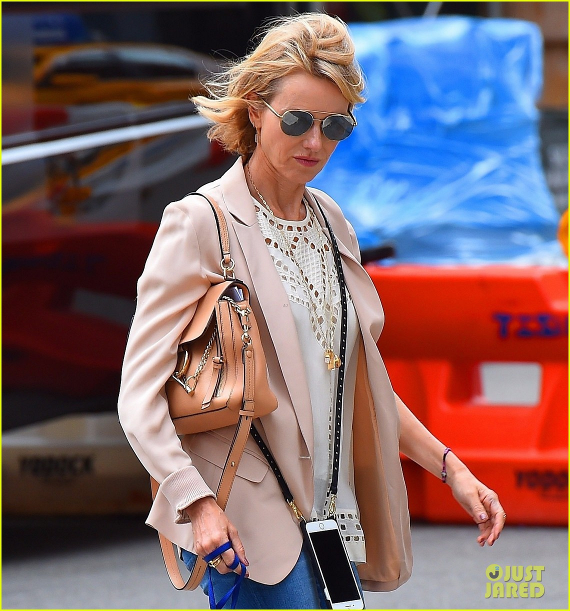 Full Sized Photo of naomi watts takes her rescue dog for a ... Naomi Watts