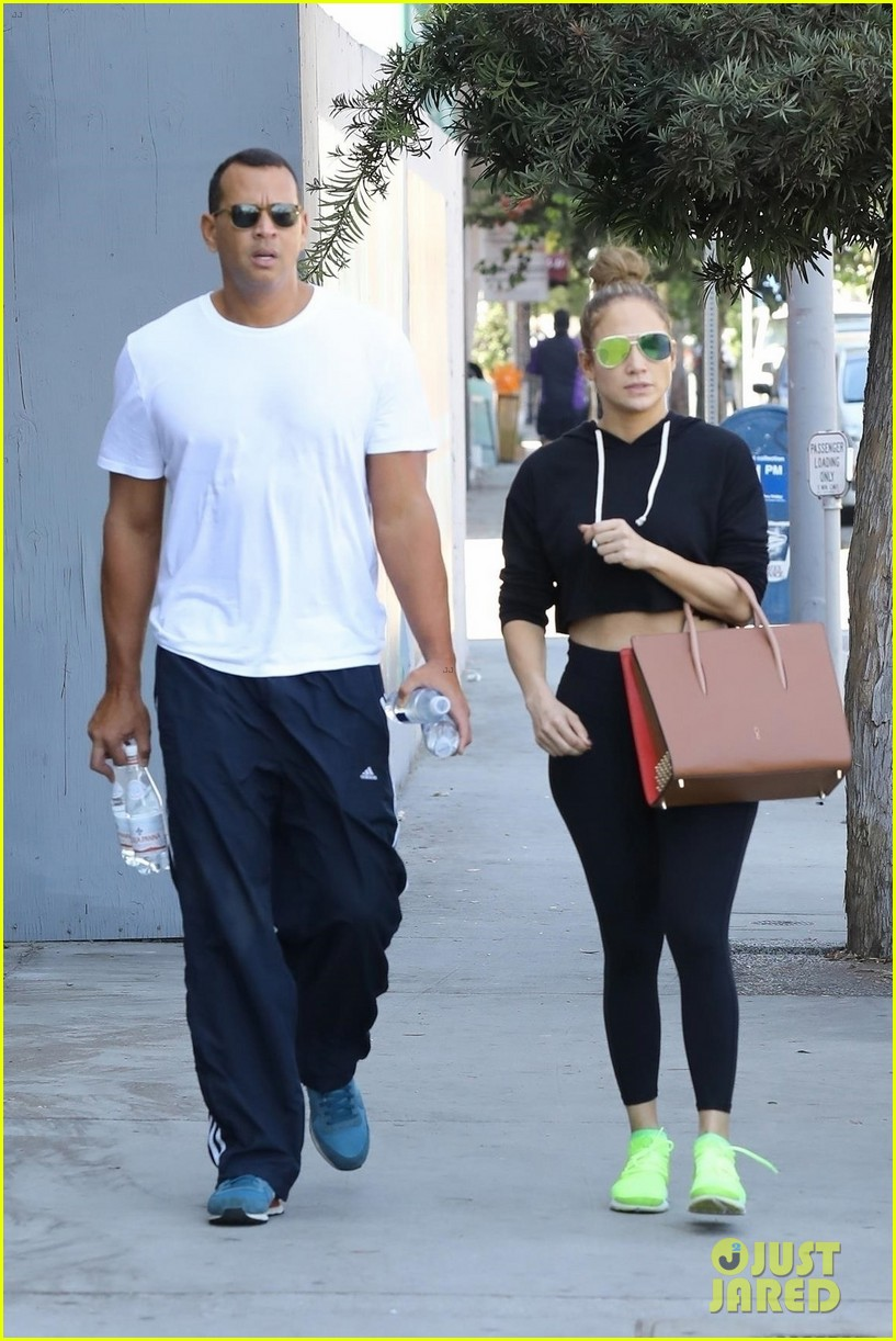 jennifer lopez alex rodriguez couple up for gym date 013968794