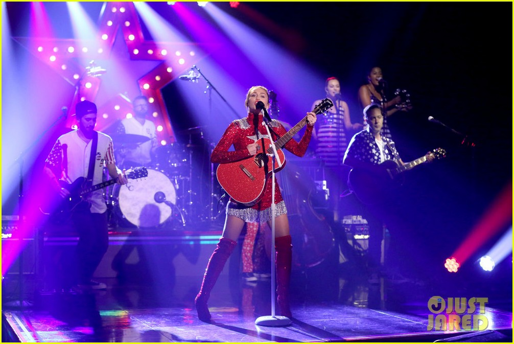 miley cyrus performs these boots are made for walkin on tonight show clinton 04