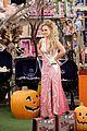 america ferrera dresses as selena for superstore halloween episode 07