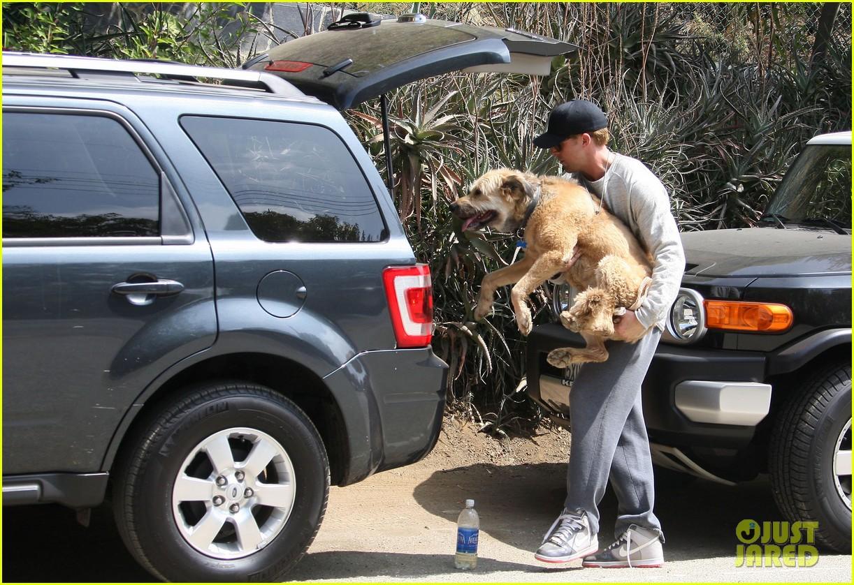 ryan gosling remembers his late dog george 033968836