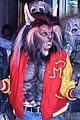 heidi klum transforms into thriller werewolf for halloween 2017 07