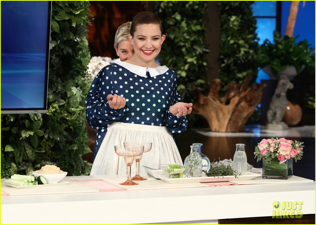 kate hudson tells ellen shes thinking of bringing the mullet back after growing out hair 053971410