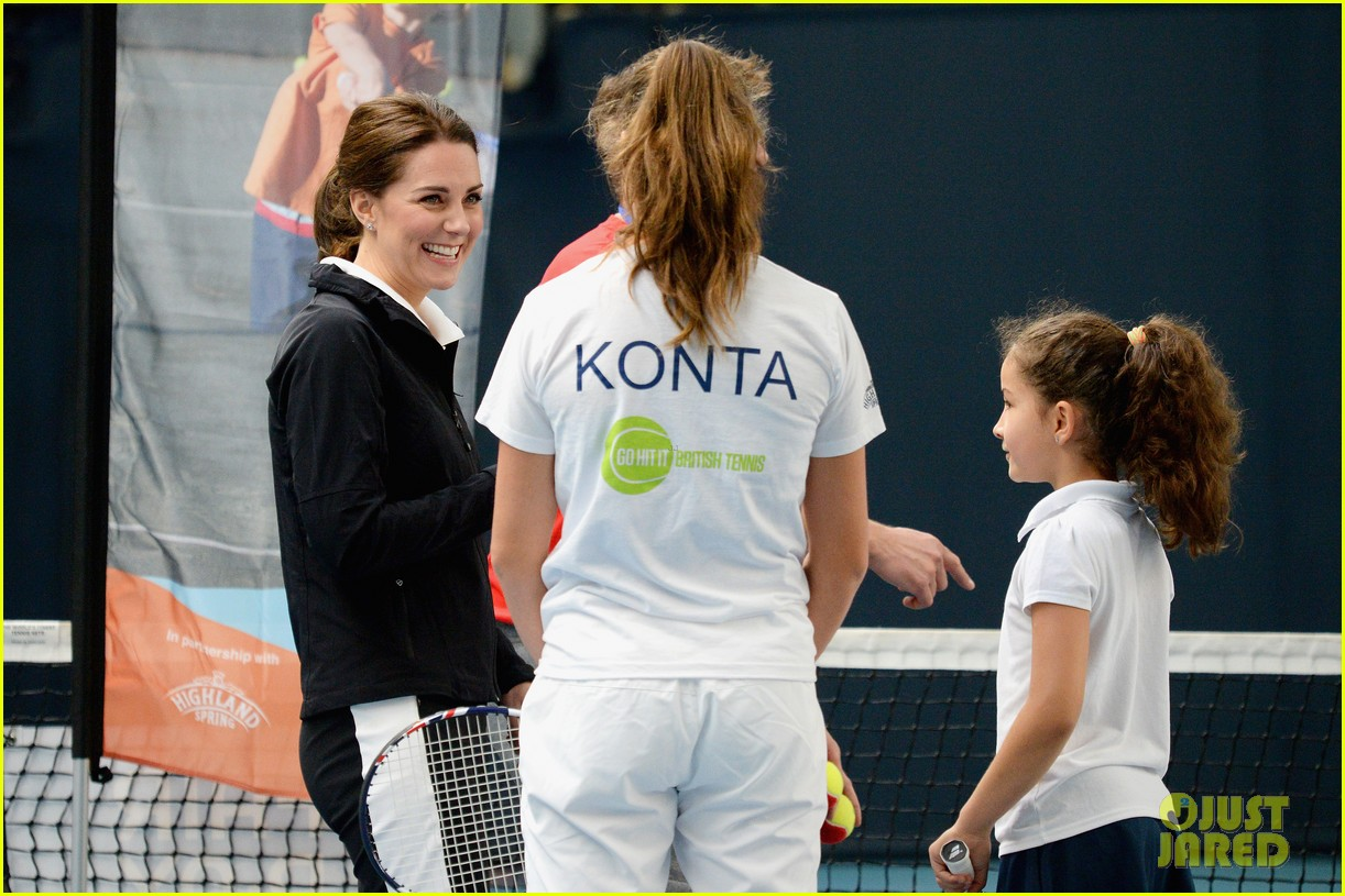 kate middleton first solo appearance 043980136