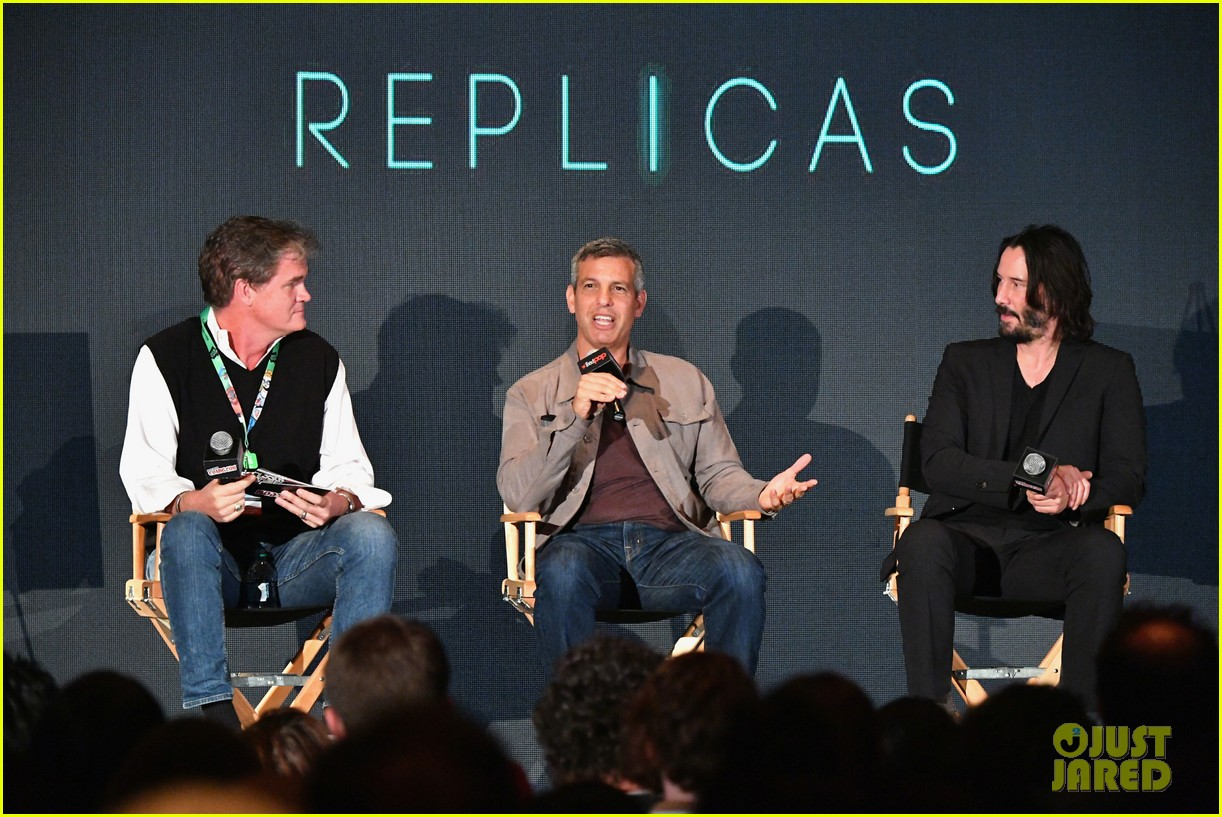 keanu reeves debuts first trailer for replicas at new york comic con 2017 043968942